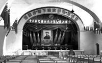 中国共产党第七次全国代表大会在延安召开